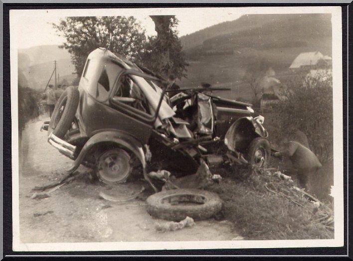 Old Car Wrecks Pictures