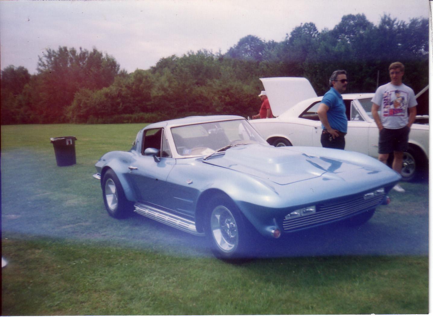 Automotive tales 63 split window edition 1a auto blog for 1963 split window corvette 427