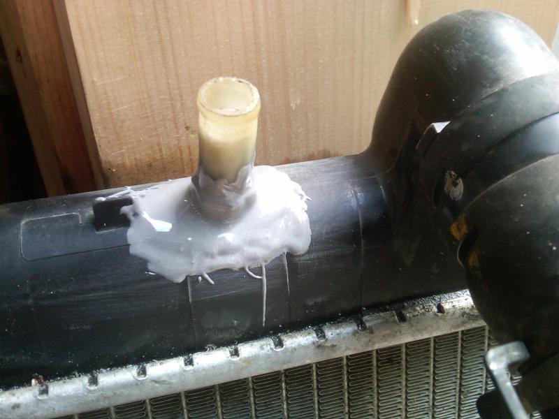 how to fix a cracked radiator hose