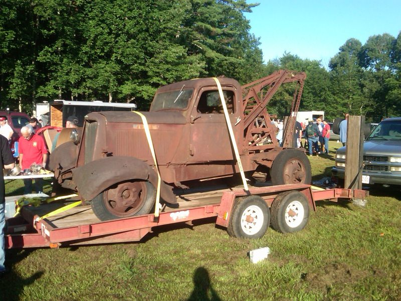 Old Rusty Tow Trucks Are Frightening - 1A Auto Blog
