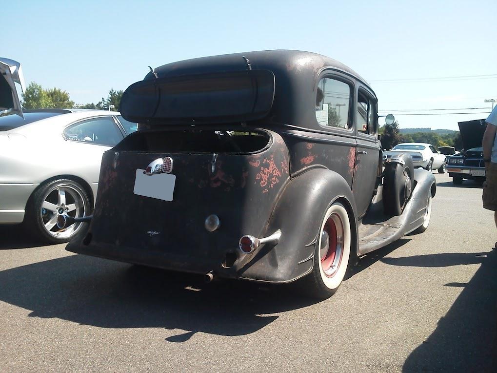 Pontiac archives 1a auto blog for 1934 pontiac 4 door sedan