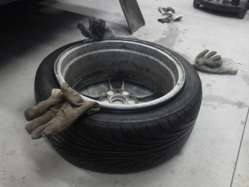 5 Easy Steps To Repairing A Tire With Hair Spray And A Shovel 1a Auto Blog