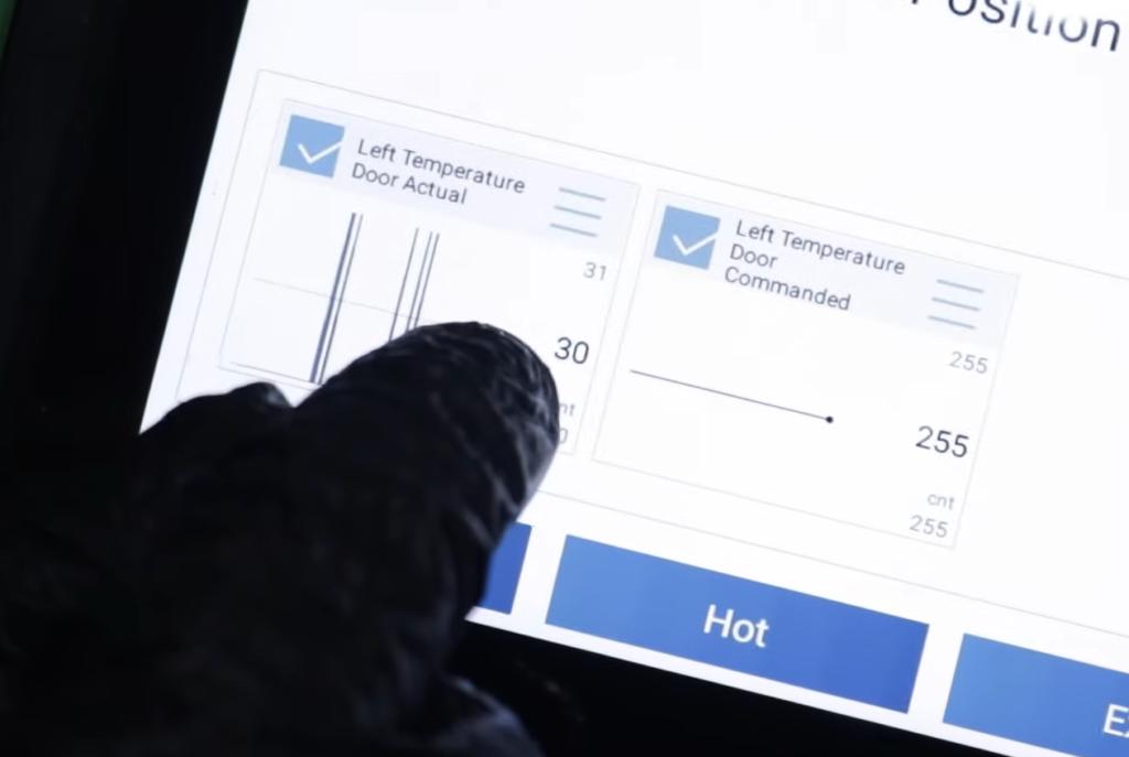 Diagnosing a temperature blend door actuator with a scan tool