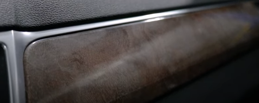 Faded wood paneling in Mercedes-Benz E-Class W212