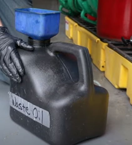 Waste oil container