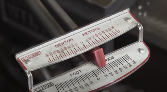 Gauge on a beam torque wrench