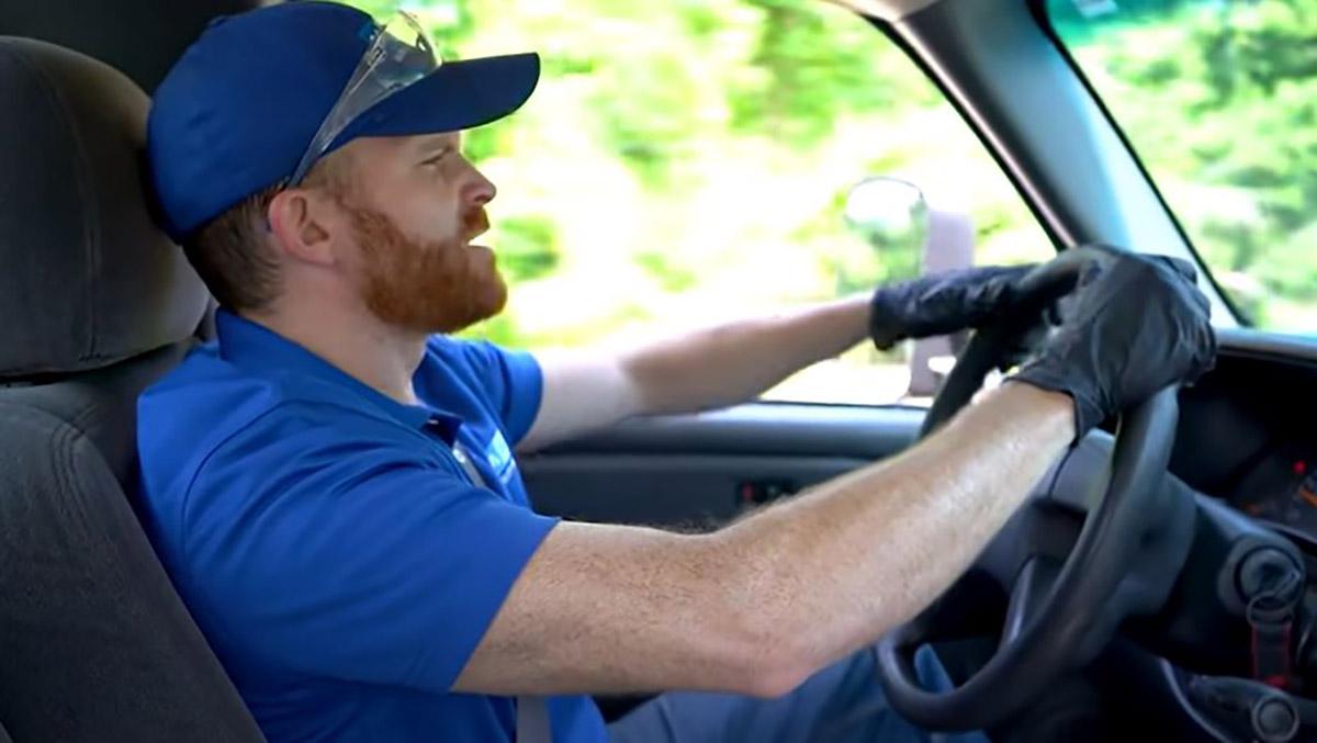 Steering Wheel Pulls or Shakes? Diagnose a Seized Brake Caliper - 1A Auto